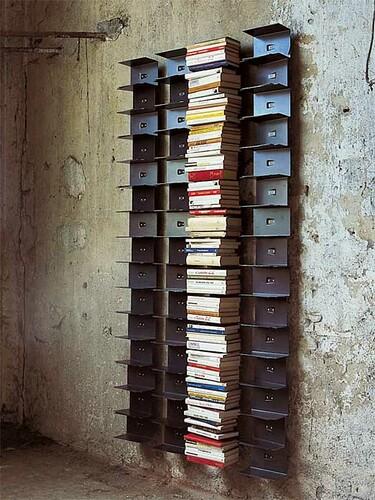 Totem bibliothèque Ptolomeo Wall 11 compartiments, Hauteur 155 cm | tôle d'acier noir