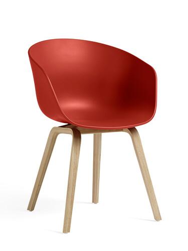 Armlehnstuhl About A Chair AAC AAC22, Gestell: Eiche matt | Sitzschale: Polypropylen | rot