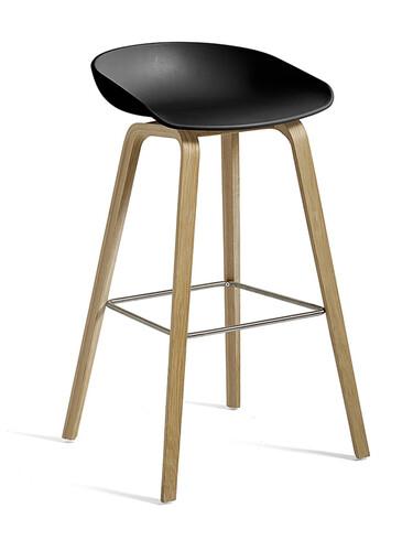 Barhocker About A Stool AAS32 Gestell: Eiche, lackiert auf Wasserbasis | Sitzschale: schwarz