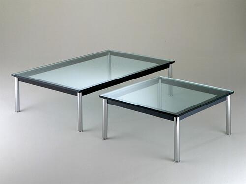 Cassina Tisch LC10-P quadratisch, H 33 x B 70 x T 70 cm | schwarz / Glas