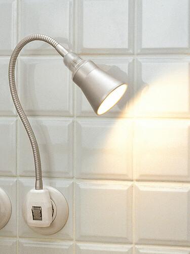 Steckerleuchte Glühwürmchen Delight Alu-Kegelreflektor | LED
