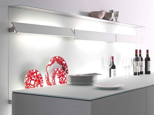 Leuchte mit Metallblende GL 8 mit LED-Weißadaption | Breite 90 cm | aluminiumfarbig