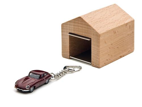 Schlüsselanhänger Jaguar mit Garage