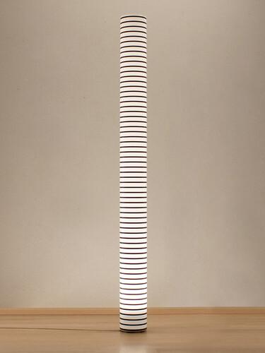 Stehleuchte Chameledeon H 196 cm | dünne Streifen