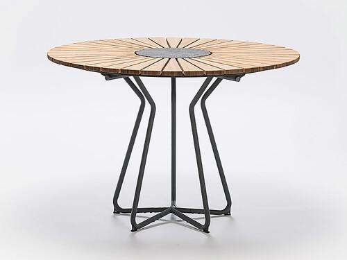 Tisch Circle