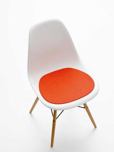 Chaise Eames Plastic Side Chair DSW Hauteur 83 Cm Largeur 465 Profondeur 55 Dassise 43